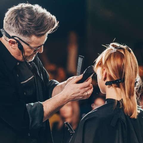 Szkolenia fryzjerskie i pokazy